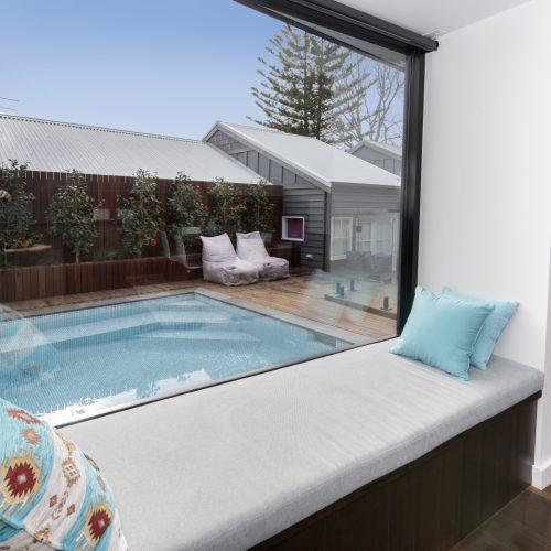 window seat, pool